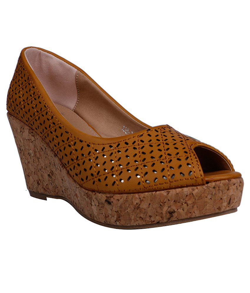 Ask Brown Heeled Slip Ons