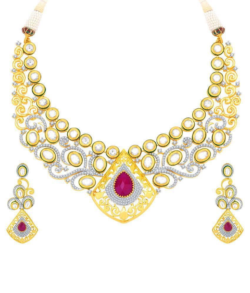 Pissara Golden Alloy Necklace Set