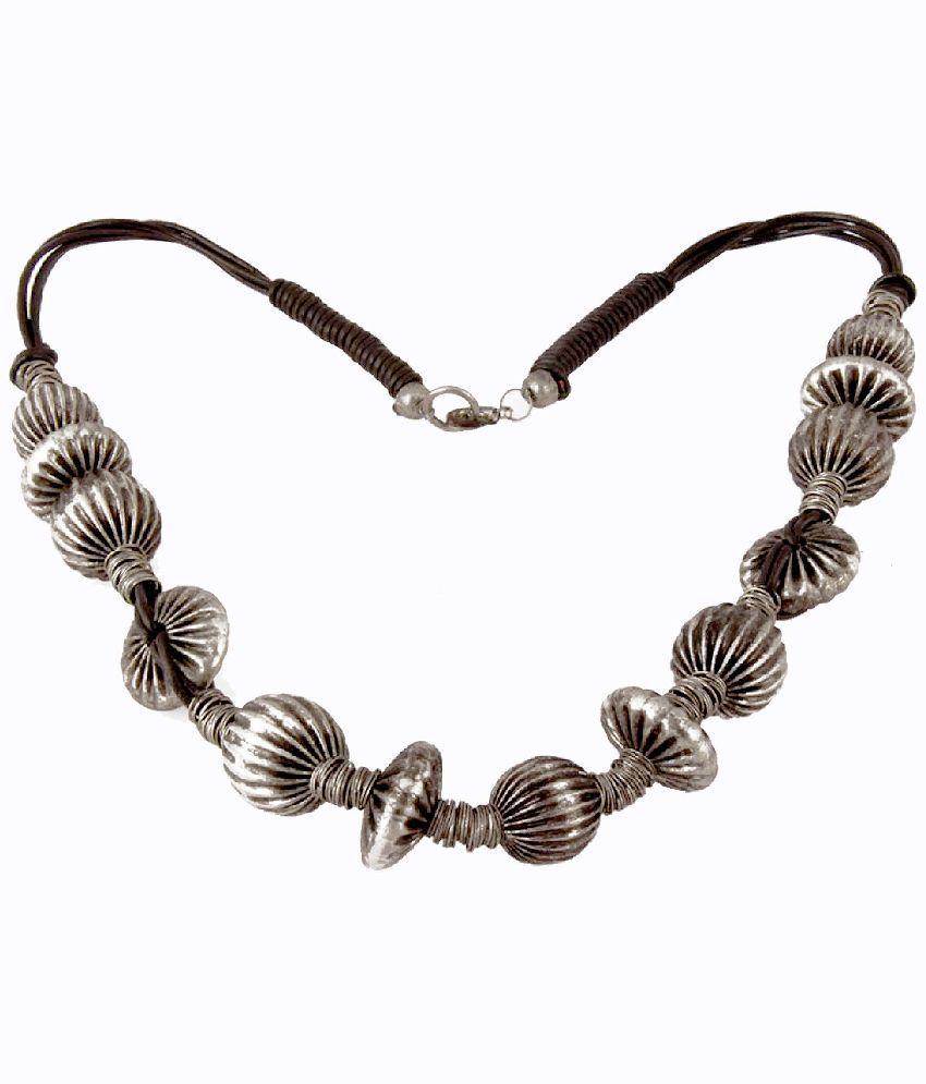 Chickraft Elegant Silver Necklace