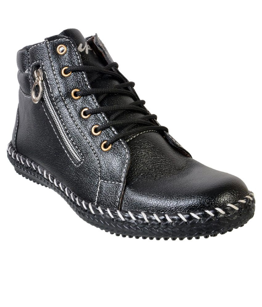 Duppy Black Boots