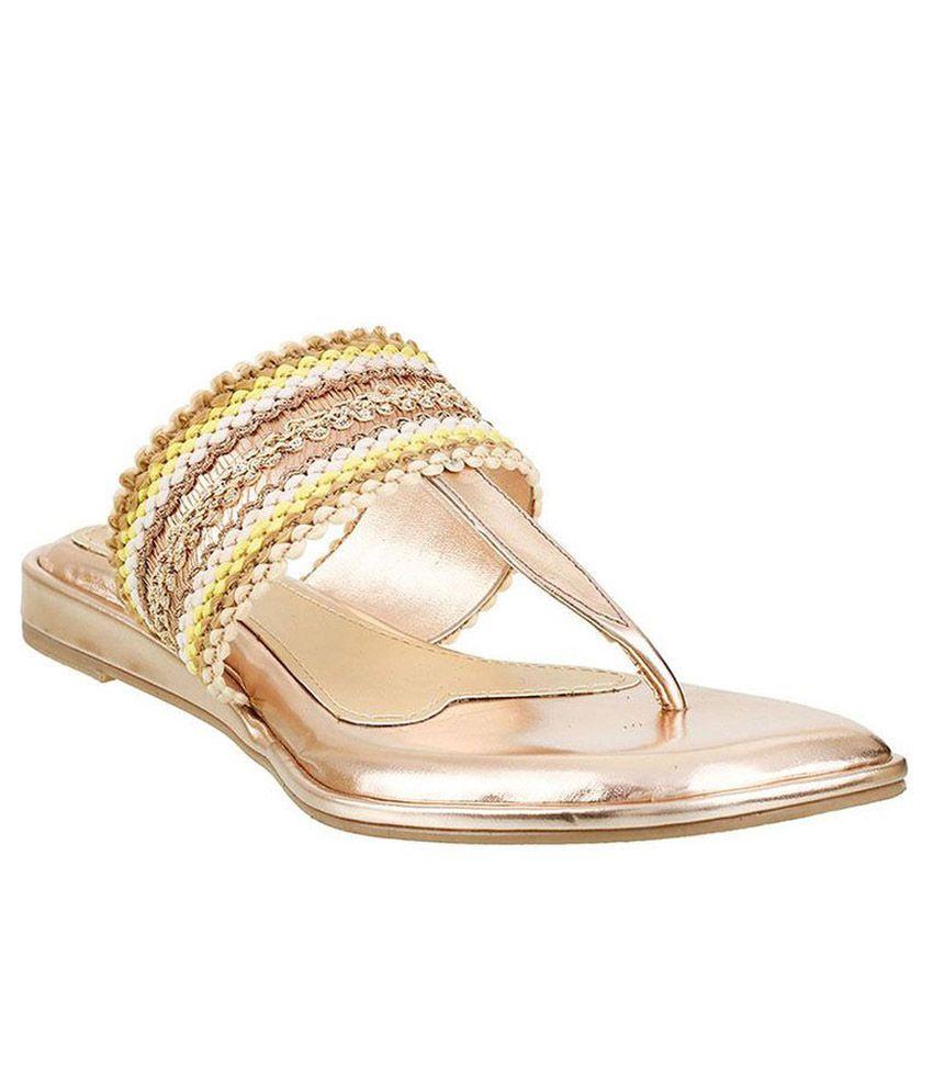 Siendo Desi Gold Flat Slip-on & Sandal