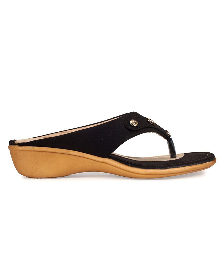 cdcb5e7db Khadim s Black Wedges Heels Price in India- Buy Khadim s Black ...
