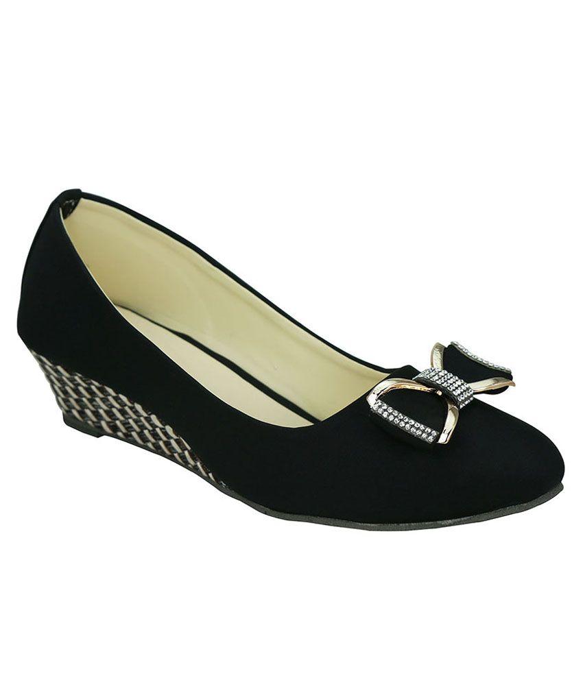 Smart Traders Black Wedges Heels