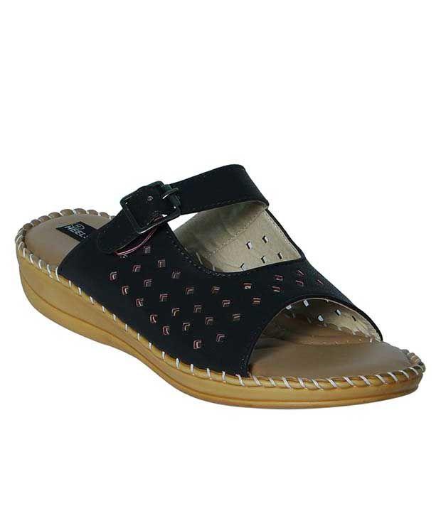 Heels And Toes Black Slippers & Flip Flops