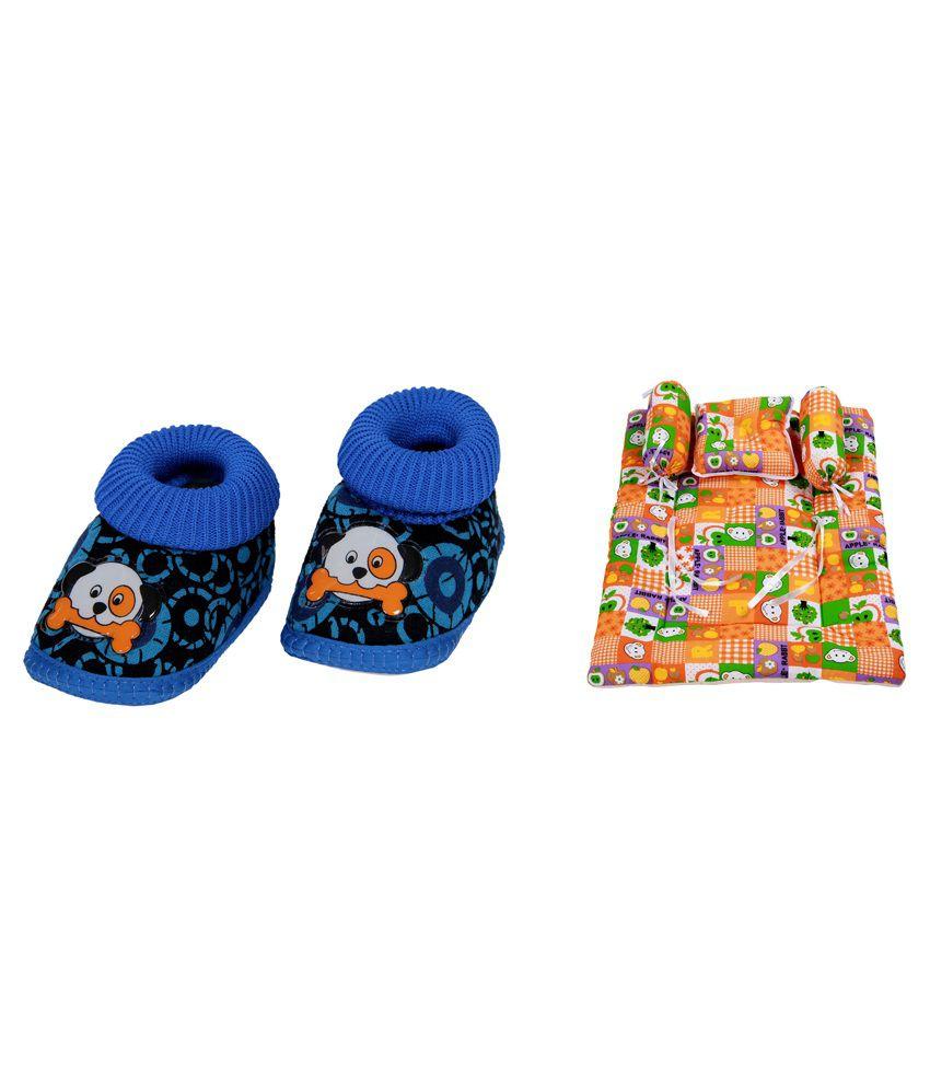 RSO Multicolour Cotton Bedding Set, Sleeping Bag and Baby Shoe - Set of 4