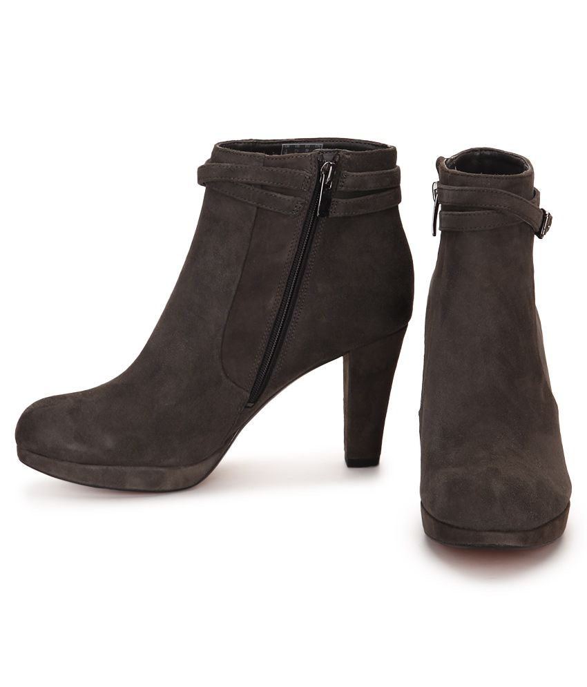 Clarks Gray Ankle Length Boots Price in India- Buy Clarks Gray ...