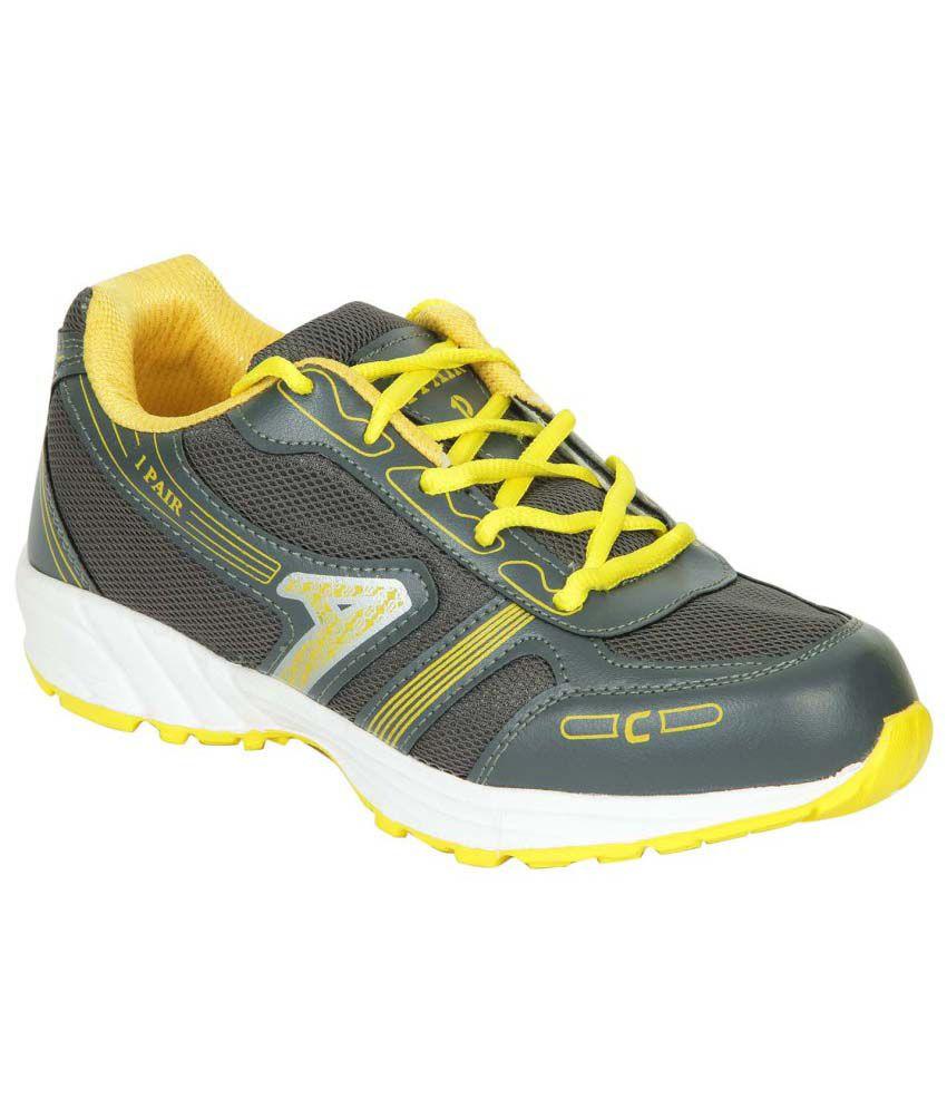 1 Pair Gray Walking Shoes