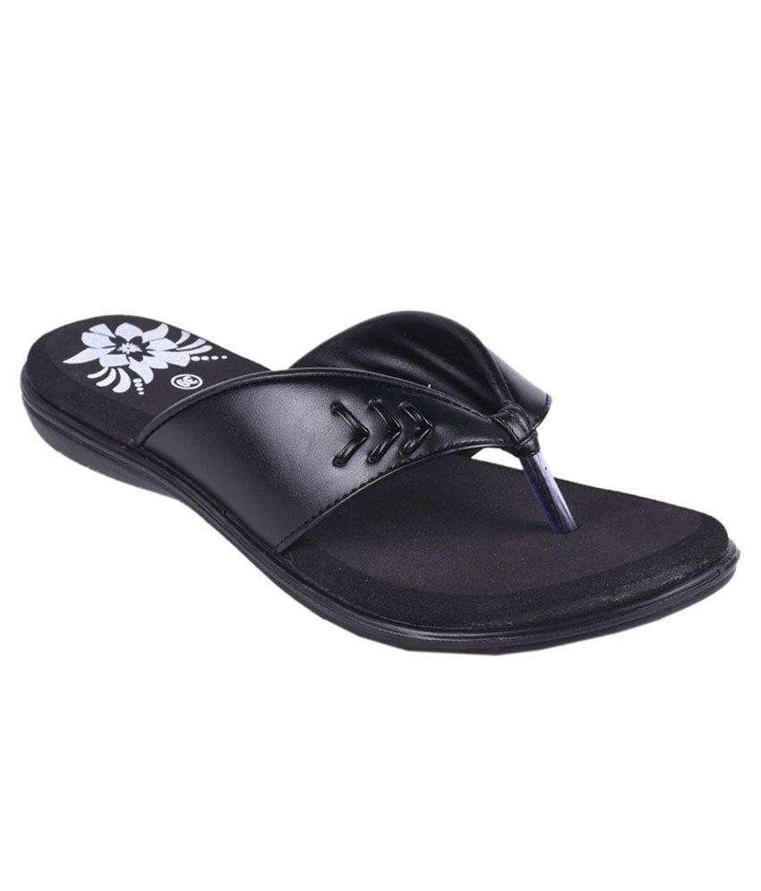 Trilokani Black Slippers