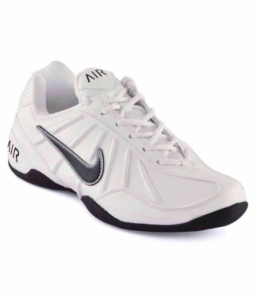 nike white tennis shoes