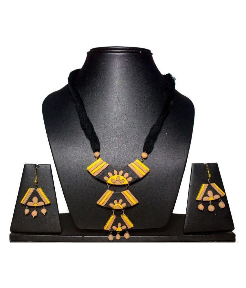 Tandra's Terracotta Multicolour Necklace Set