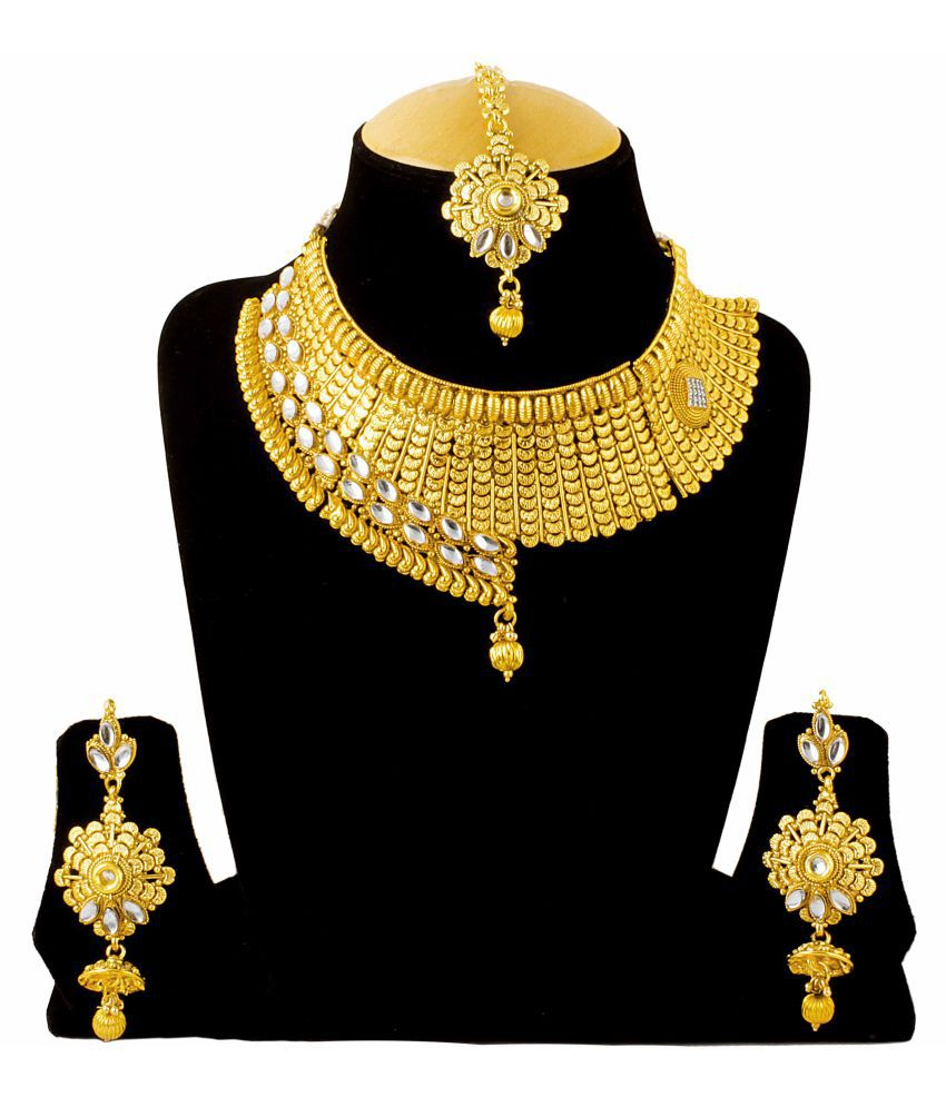 Takspin Golden Necklace Set with Manng Tika