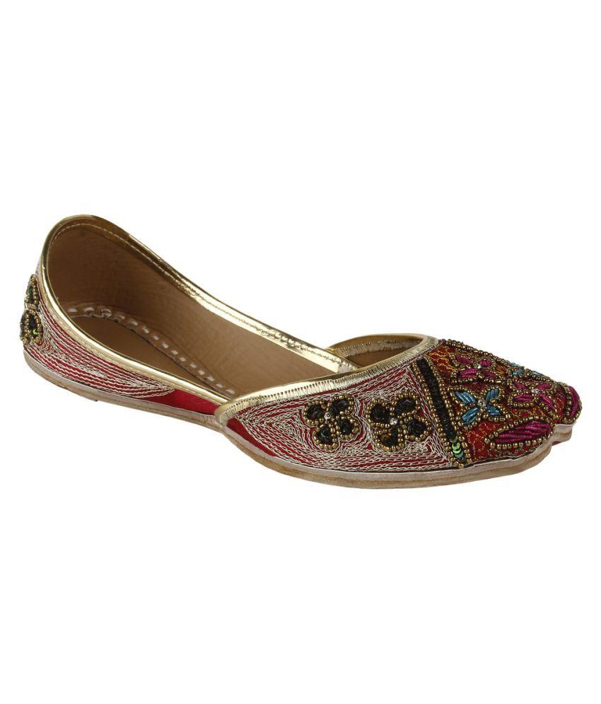 Saashiwear Red Flat Ethnic Footwear
