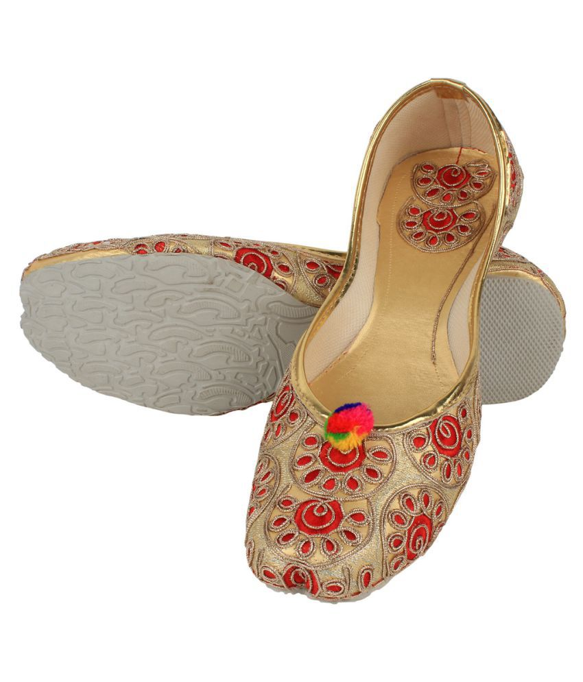 Saashiwear Multi Color Flat Ethnic Footwear