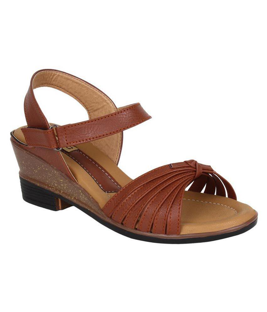 Niremo Brown Wedges Heels
