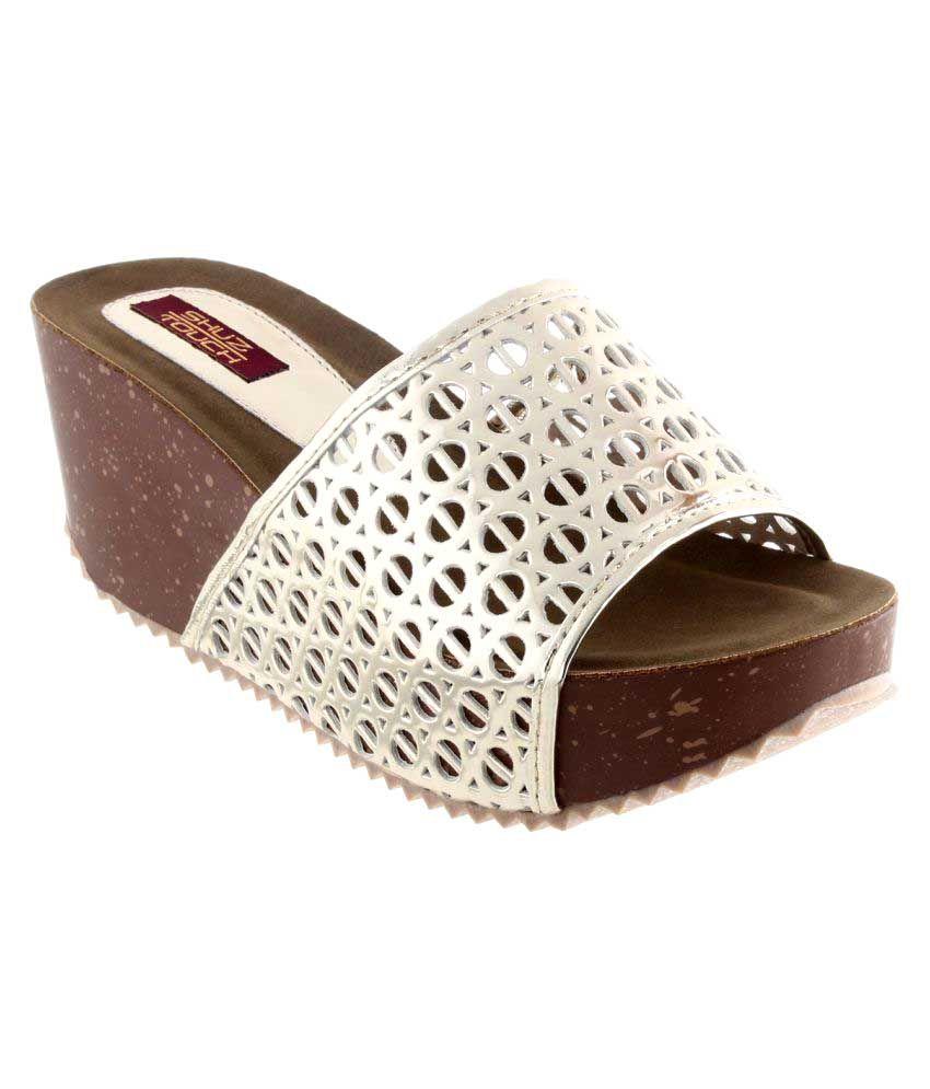 Shuz Touch White Wedges Heels