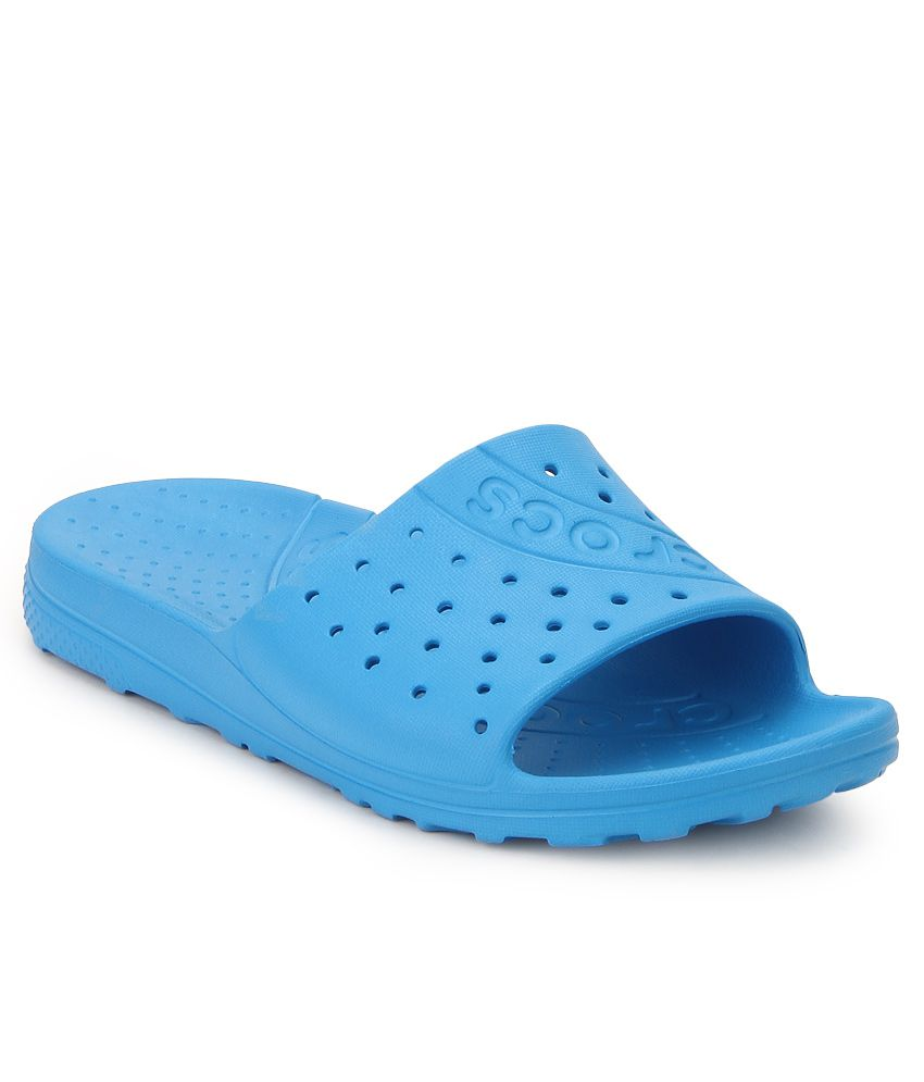 29ca652a926a Crocs 202222-456 Blue Flip Flops Price in India- Buy Crocs 202222-456 Blue  Flip Flops Online at Snapdeal