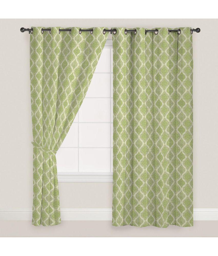 Presto Set of 2 Door Eyelet Curtains Damask Green