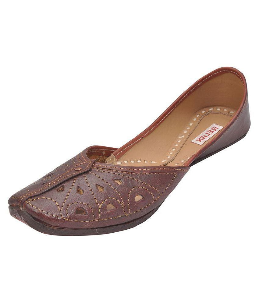 Relax Brown Flat Ethnic Footwear