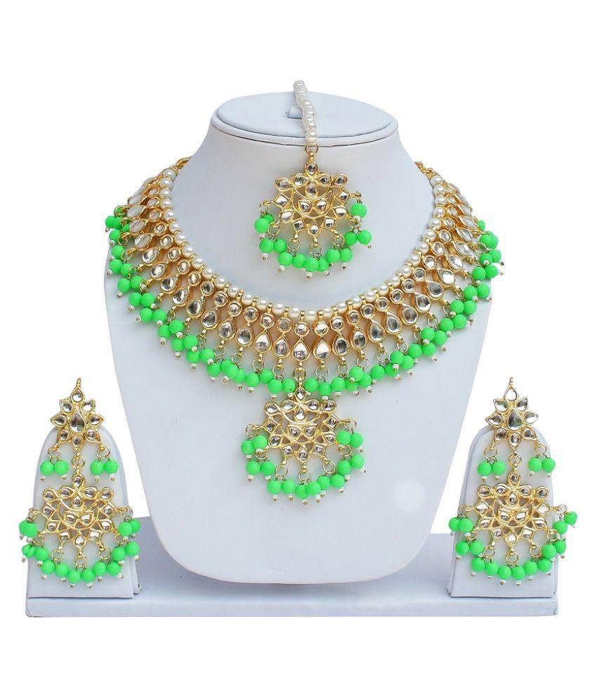 Lucky jewellery Kundan Studded Multicolor Necklace Set With Maang Tikka