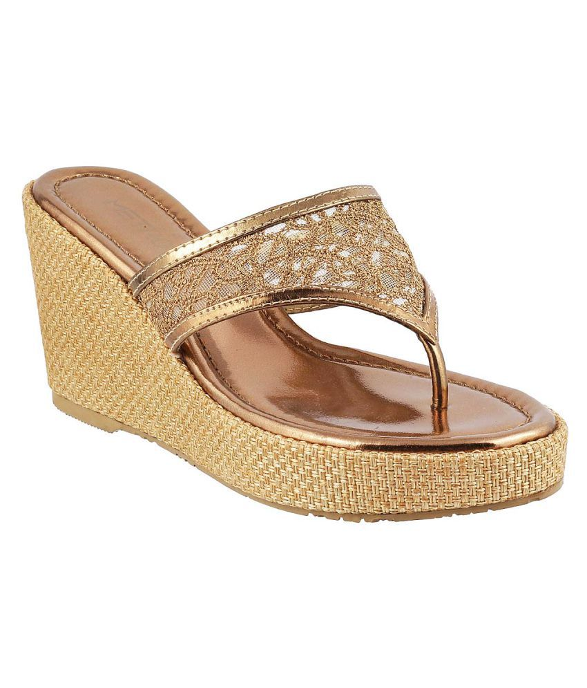 d1fbb3b6d2e2 METRO Gold Heels Price in India- Buy METRO Gold Heels Online at Snapdeal