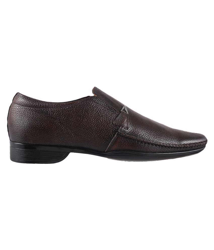 Metro Office Genuine Leather Brown Formal Shoes