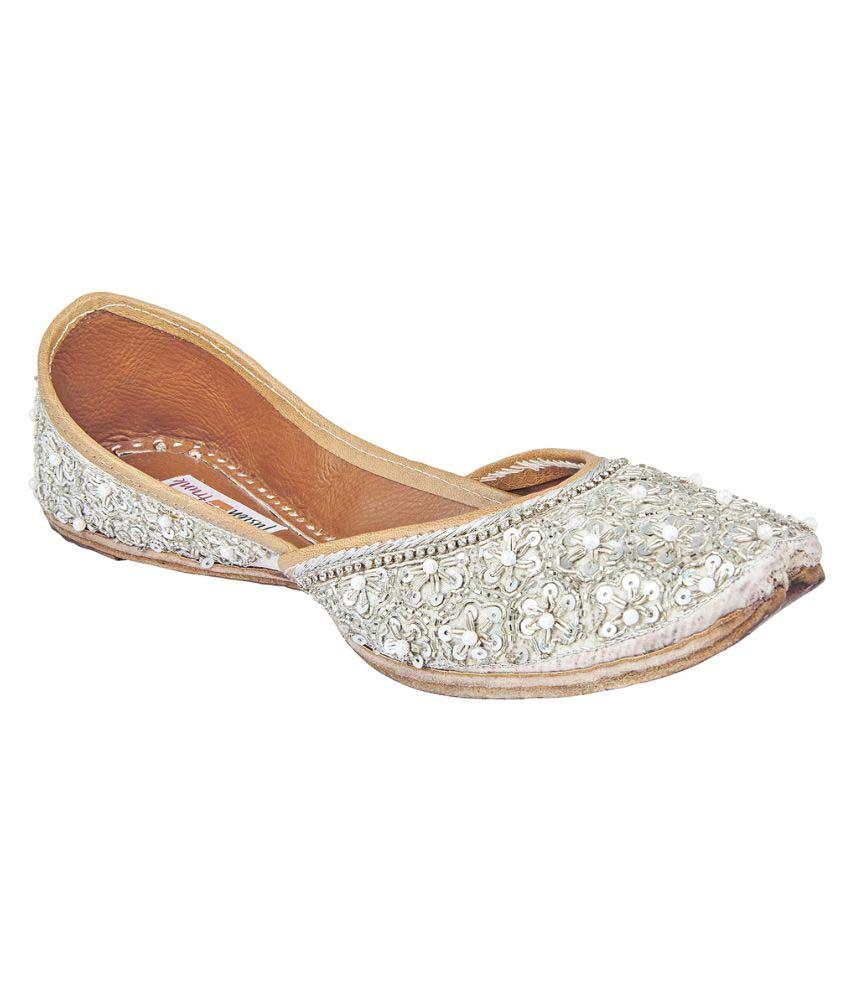 Fusion Trunk Silver Flat Ethnic Footwear