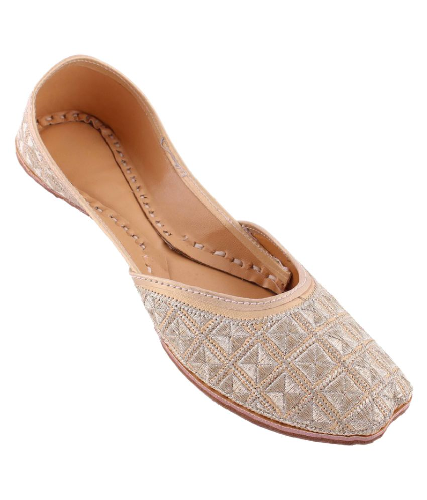 Neerupam Collection Silver Flat Ethnic Footwear