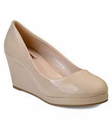 Flat n Heels Beige Wedges Heels
