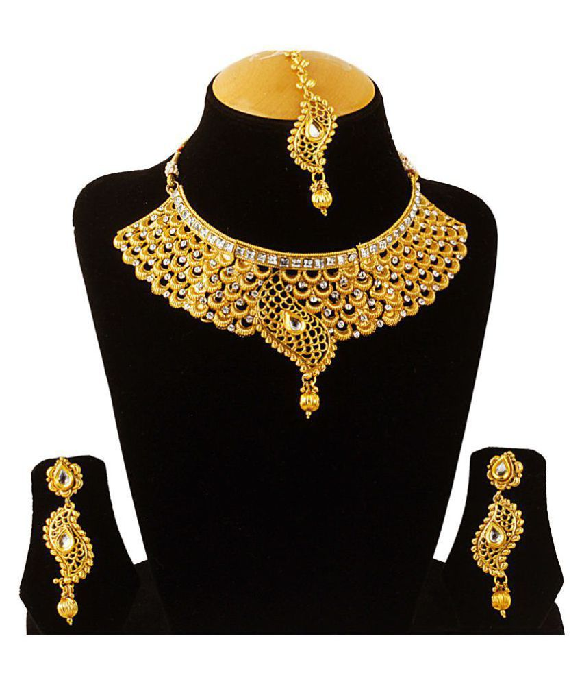 Takspin Golden Necklace Set with Mang Tika