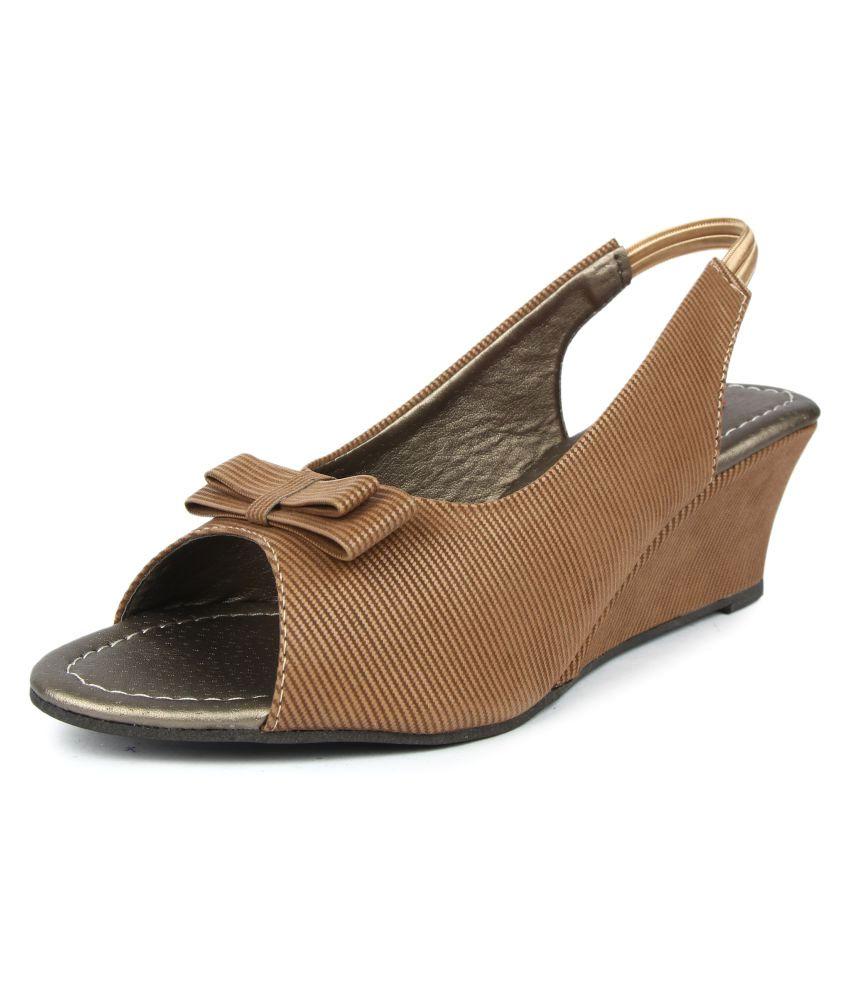 Finesse Beige Wedges Heels