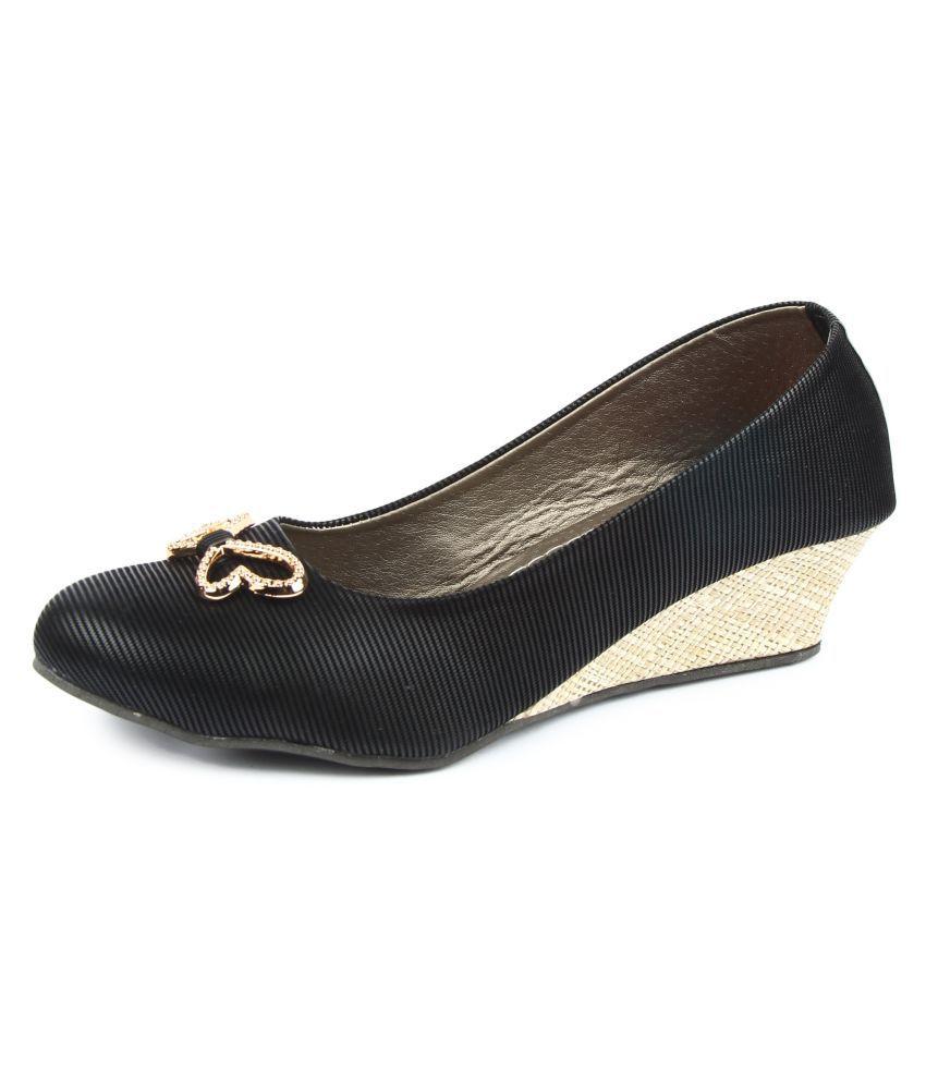 Finesse Black Wedges Heels