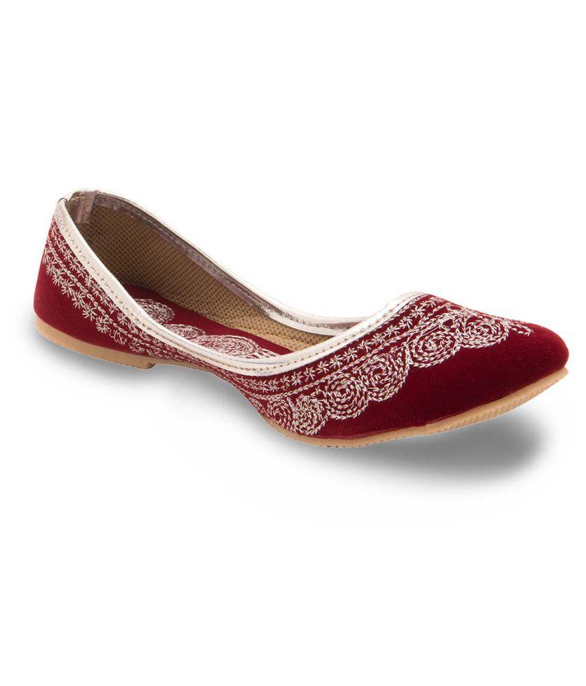Creative_Studio Maroon Flat Ethnic Footwear