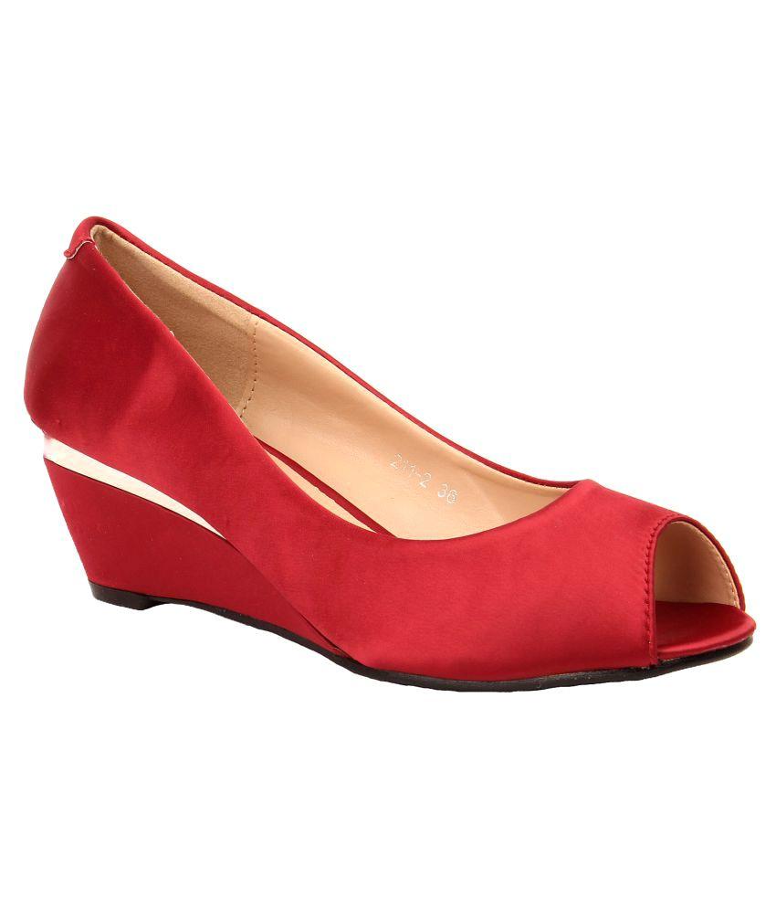 Foot Candy Maroon Wedges Heels