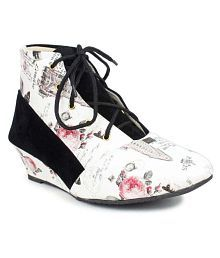 London Steps Multi Color Ankle Length Bootie Boots