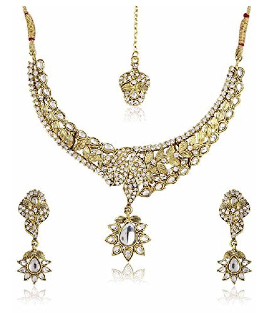 Shining Diva Kundan Stone Necklace Set With Mang Tika