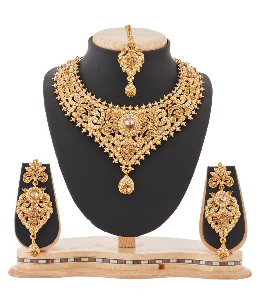 RG Fashions Golden Necklace Set with Maang Tikka