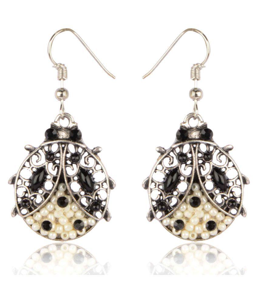 Diva Walk black alloy  earring