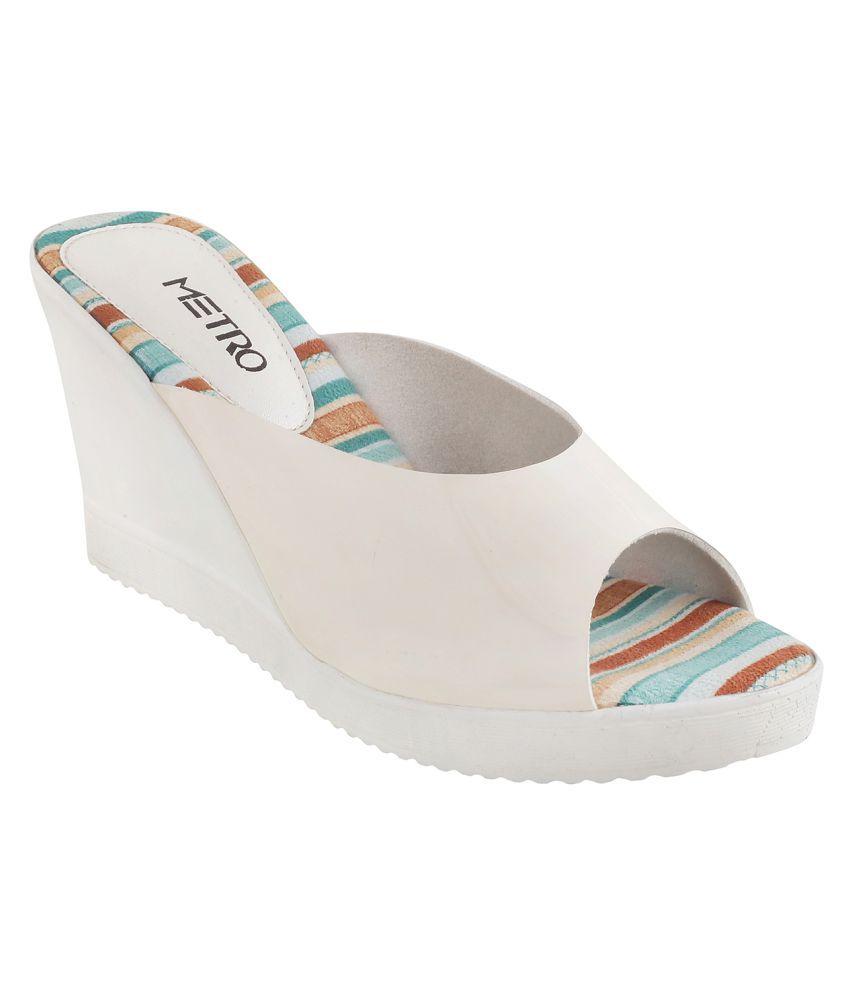 METRO BEIGE Wedges Heels