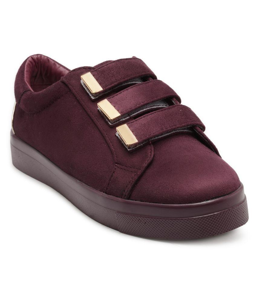 Flat N Heels Maroon Casual Shoes
