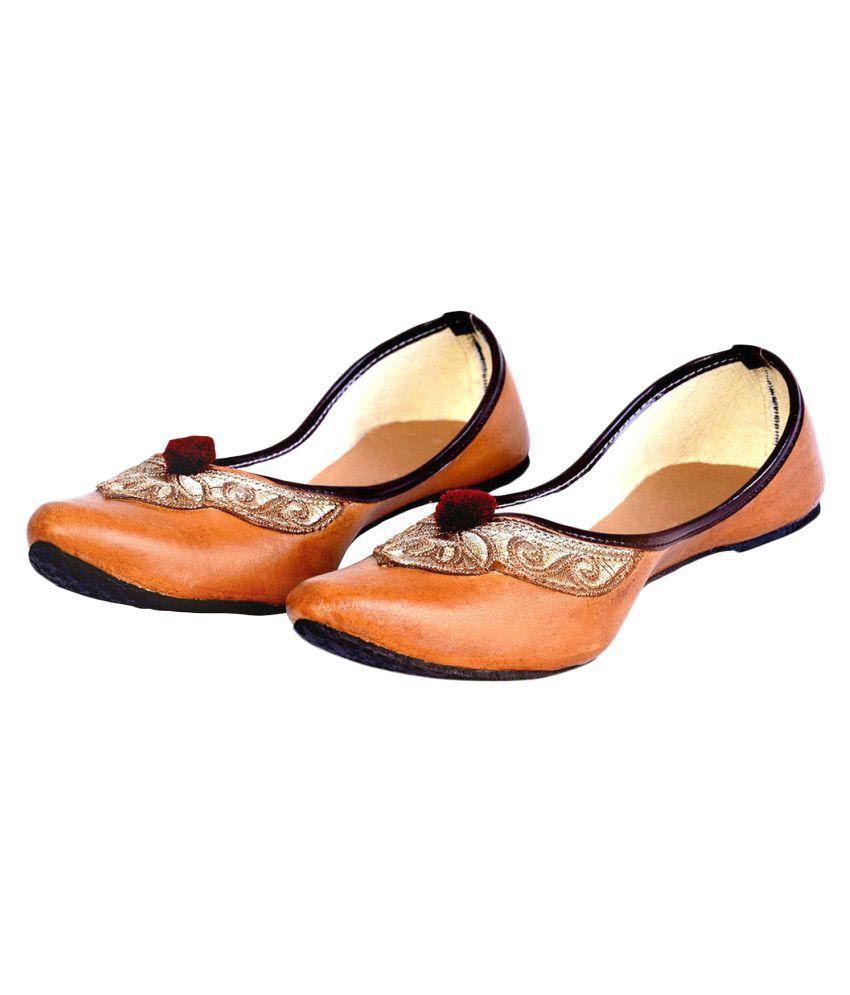 Urshop Brown Flat Ethnic Footwear