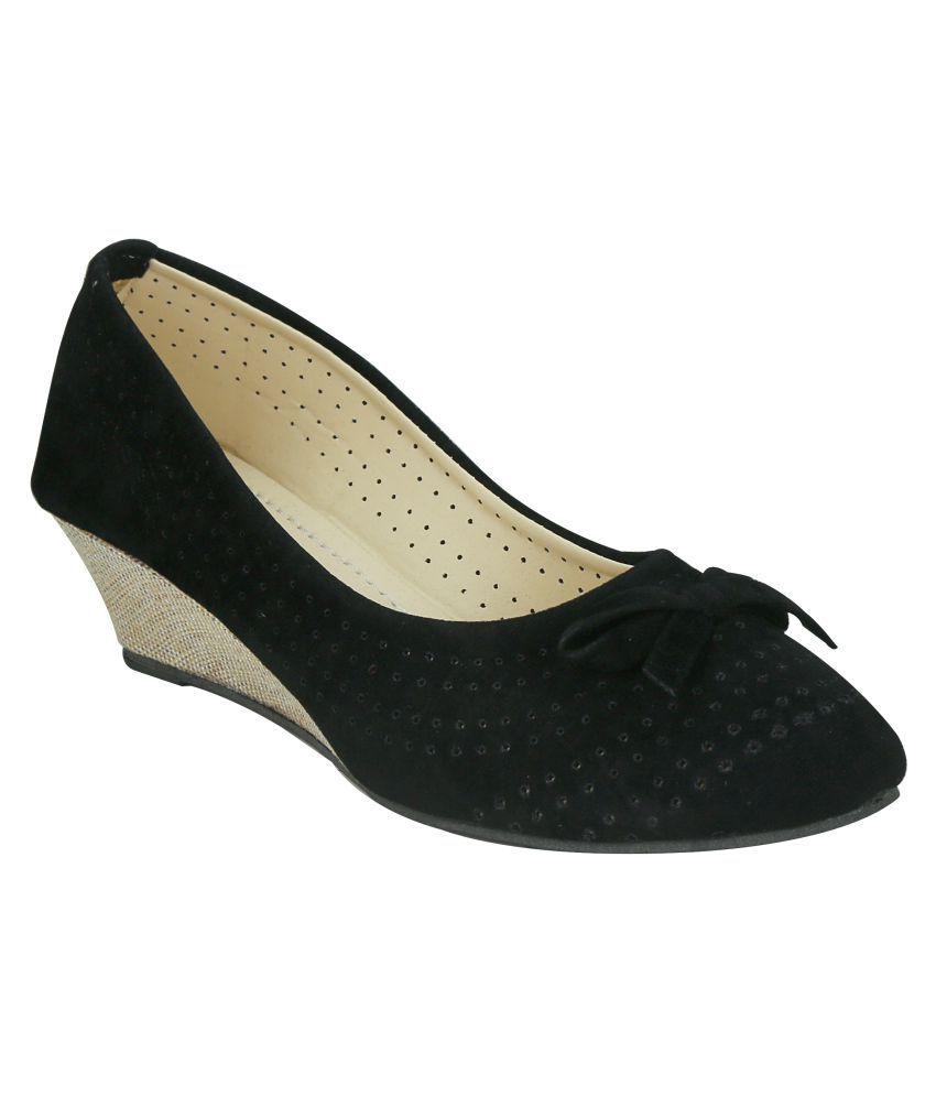 Soft&Sleek Black Wedges Heels