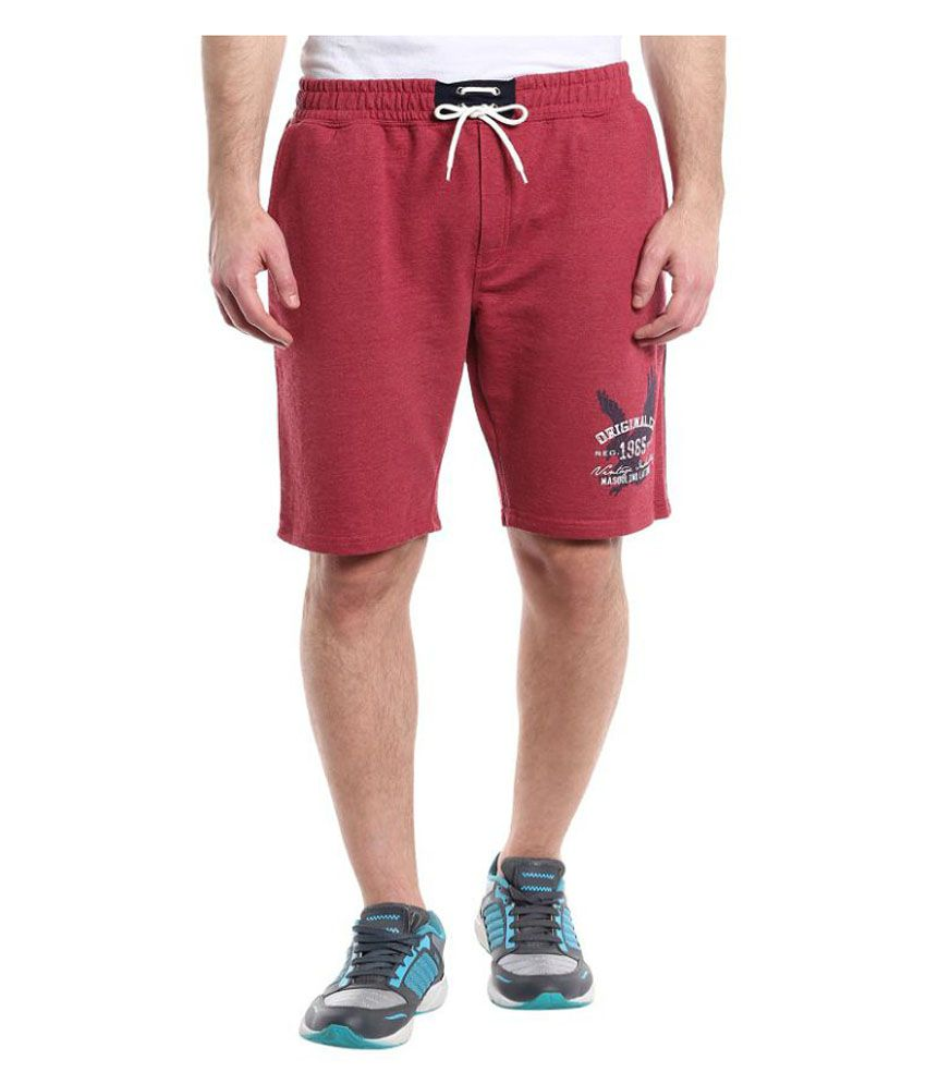 Masculino Latino Red Shorts