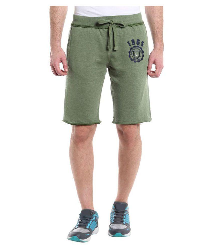 Masculino Latino Green Shorts