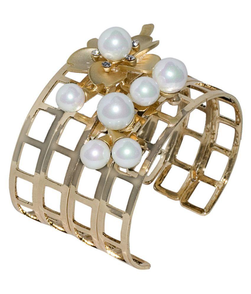 Pearl Overtaking Bracelets