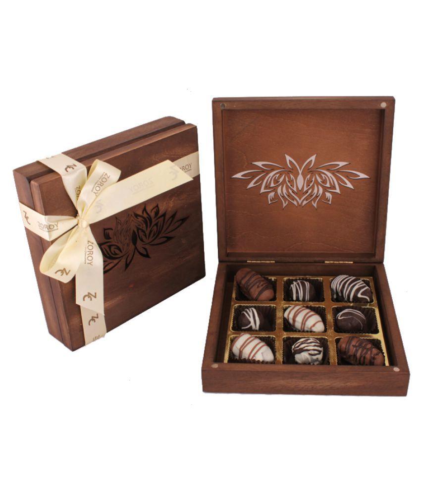 ZOROY LUXURY CHOCOLATE Assorted Box Ramzan Lotus box of 9 Dates 1000 gm