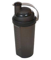 Yuva 700 Ml Shakers,Bottles