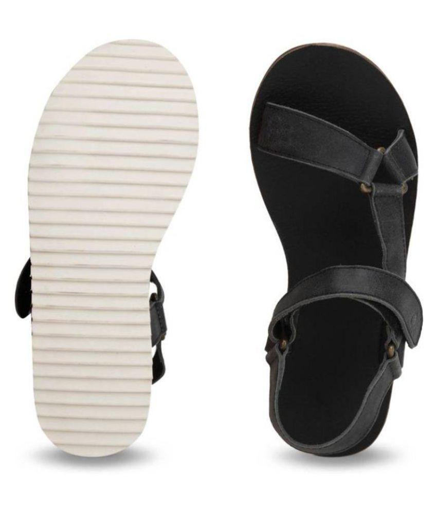 cdb8e75511207 UCB Benetton Men 902 Sports Black Sandals Price in India- Buy UCB ...
