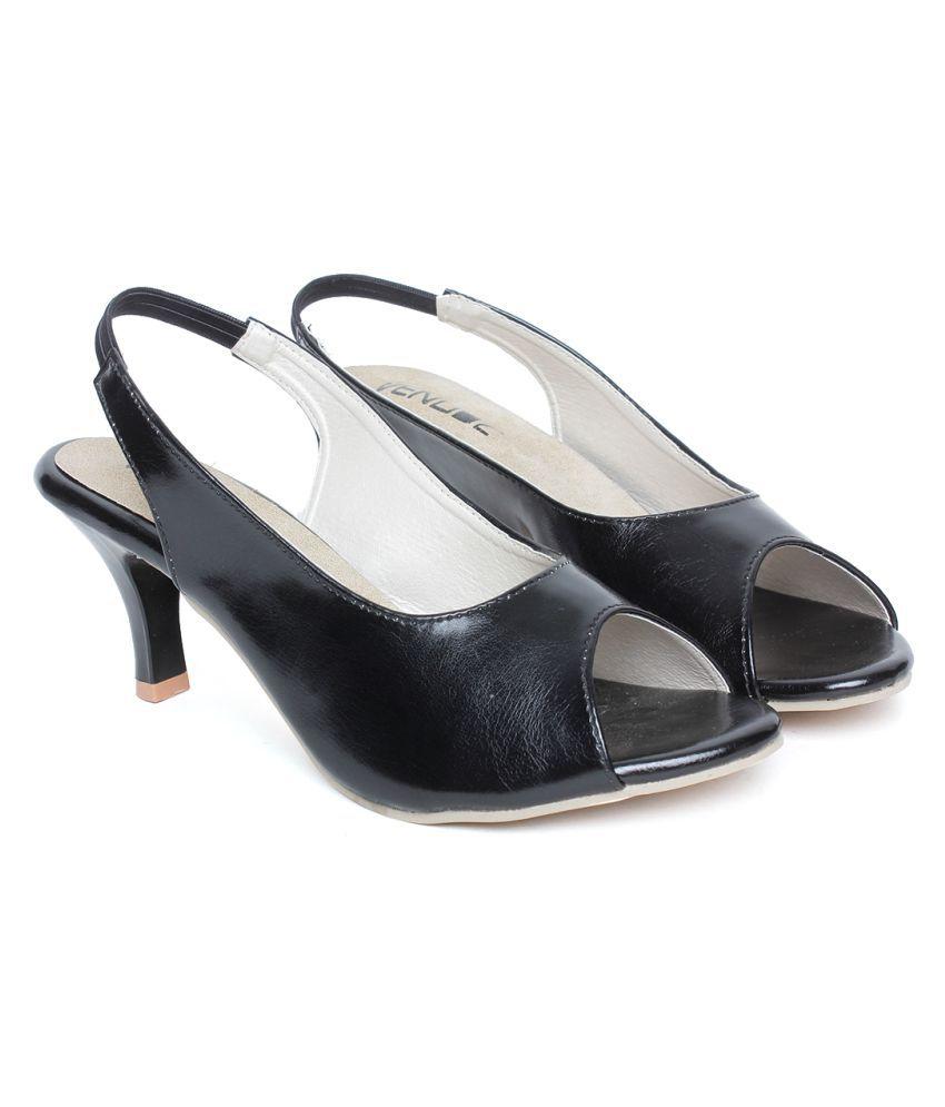 VENDOZ Black Kitten Heels