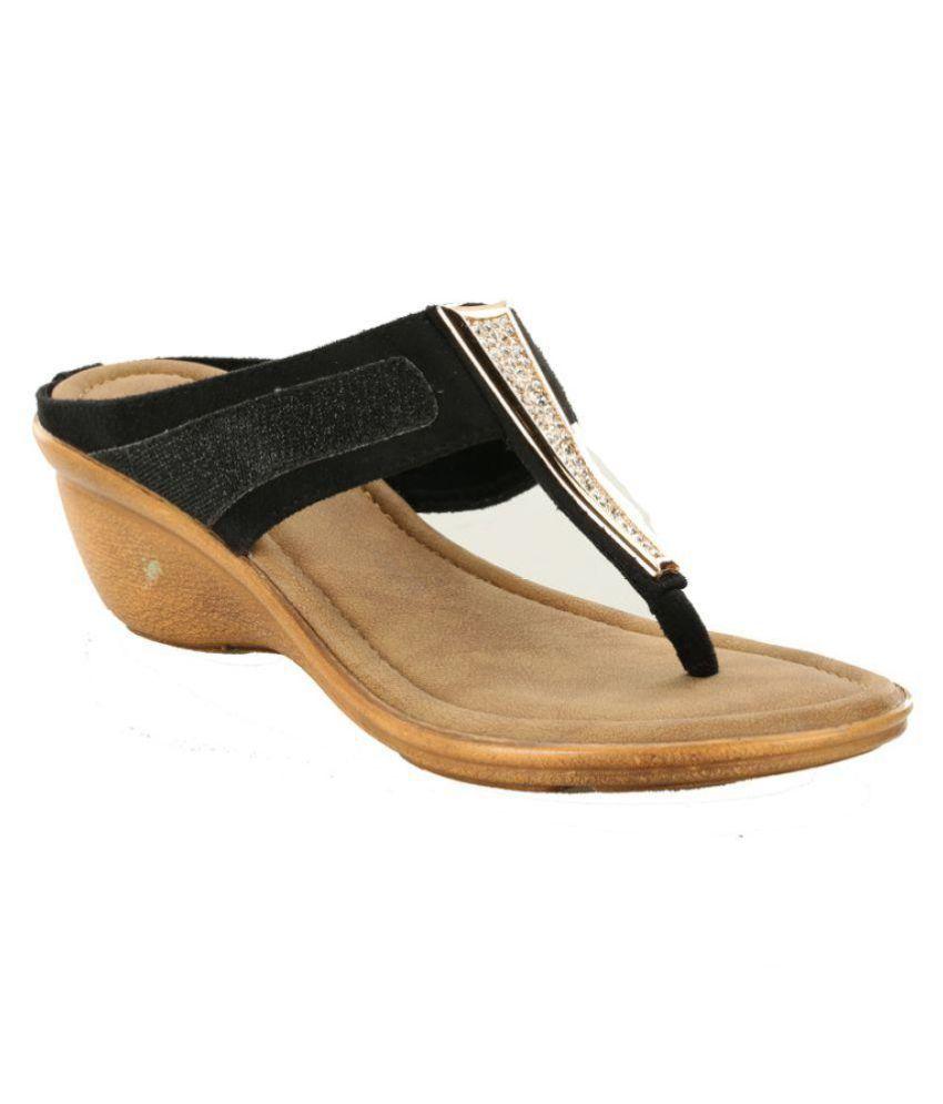 Footsee Black Wedges Heels