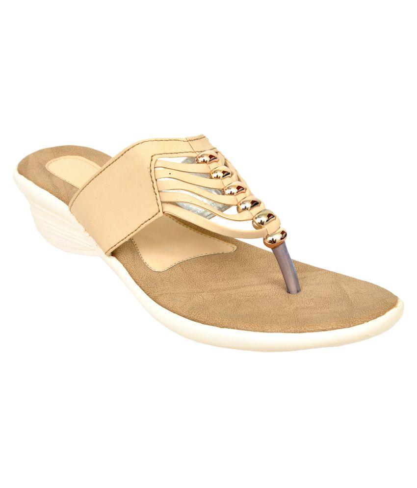 Altek Cream Wedges Heels